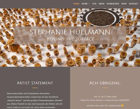 Bildschirmfoto: Startseite stephanie-huellmann.com | designed by Digitales für Kreative, Link führt zur Kunden-Website